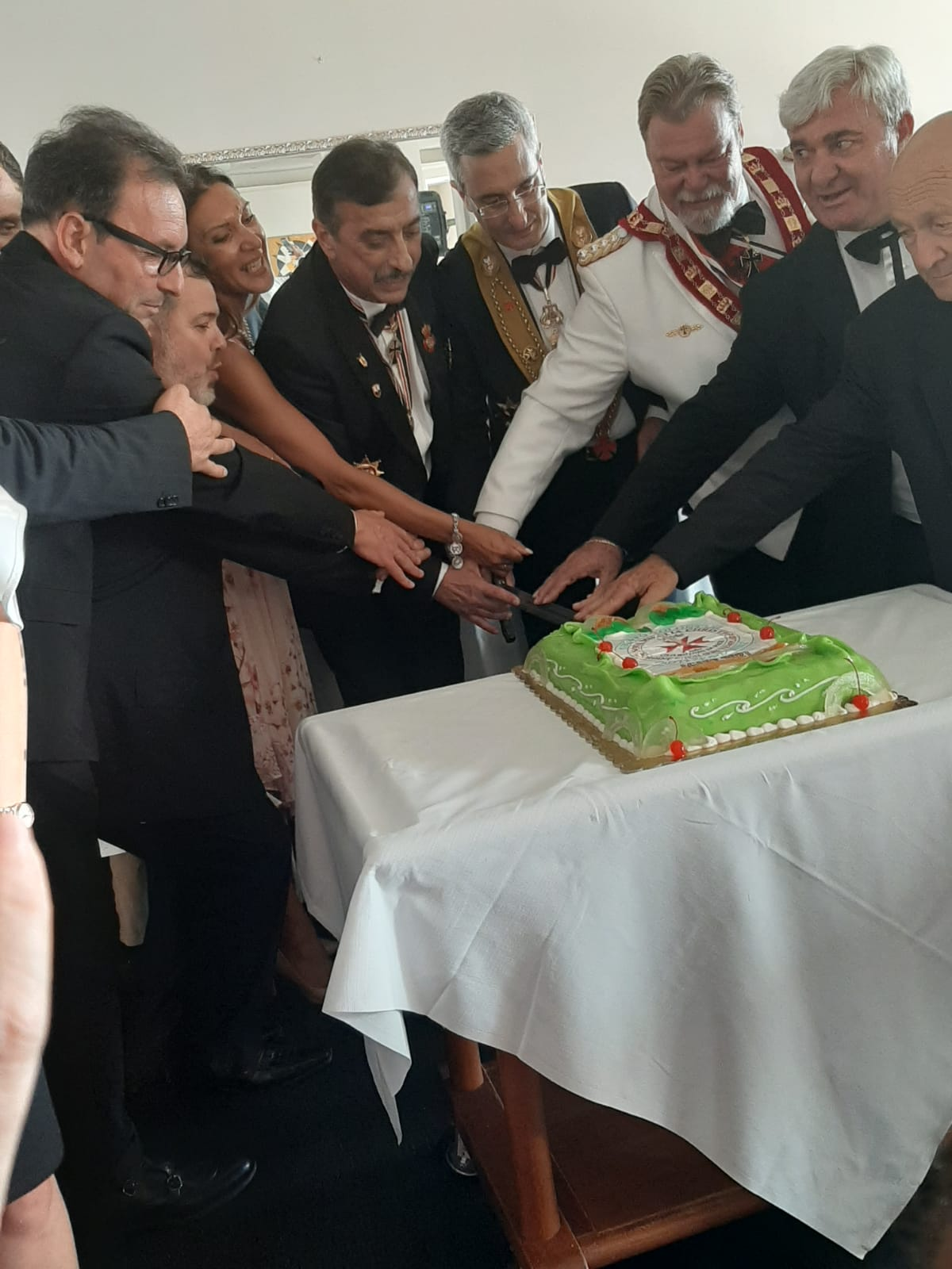 AGAPE 2021 TAGLIO TORTA